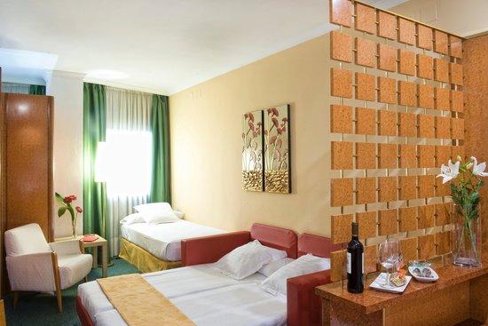 Acacia Suites : Apartamento Quintuple