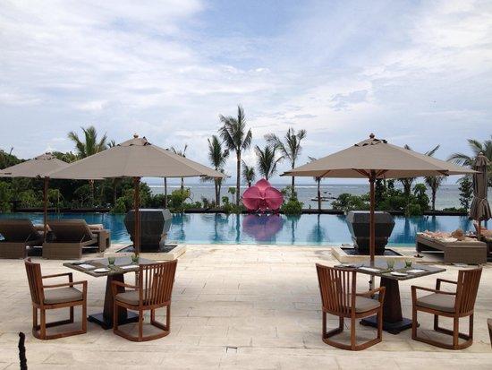 Fairmont Sanur Beach Bali: Swimming Pool