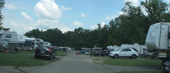 Onsted, MI: Very crowded camping
