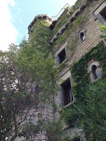 Château de Riell : Une des façades