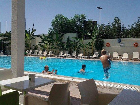 Kos Junior Suites: The Pool Area