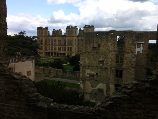 Hardwick Hall and Gardens: The view from the old hall to the new - stunning!