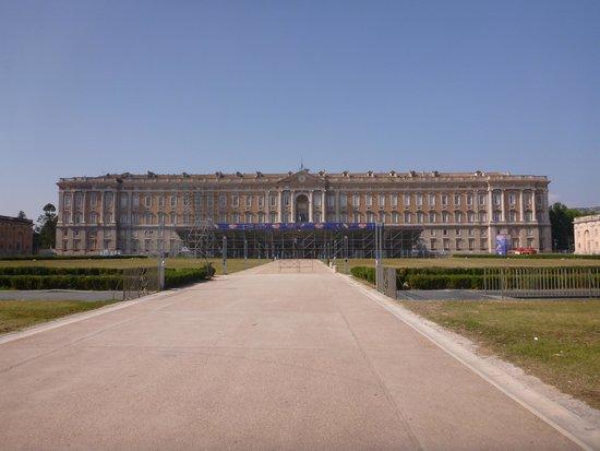 Palacio Real de Caserta: 正面