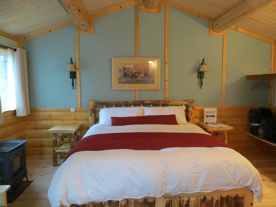 Tonglen Lake Lodge, LLC : Our cabin