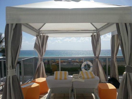 Hilton Cabana Miami Beach: Cabana overlooking ocean