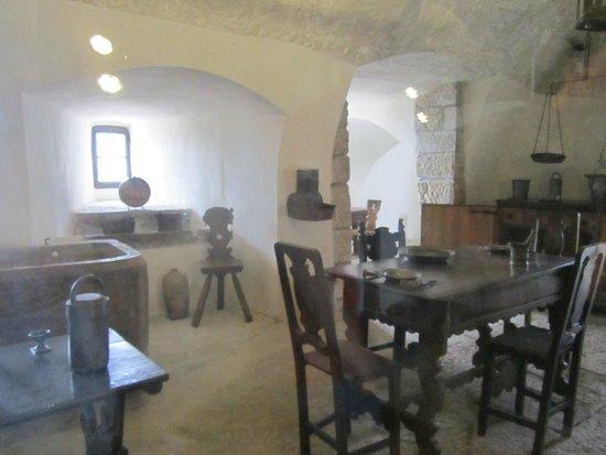 Alcuni pezzi di cucina/sala da pranzo - Foto di Castel Thun, Ton ...