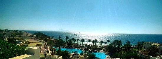 Royal Grand Sharm Hotel: the view from restaurant