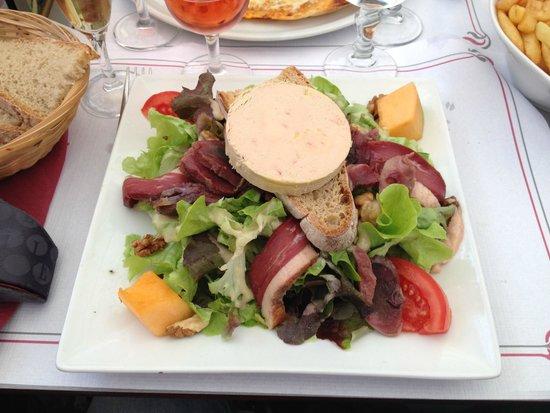 Brasserie Le Glacier : Salade Perigourdine (Yum!)