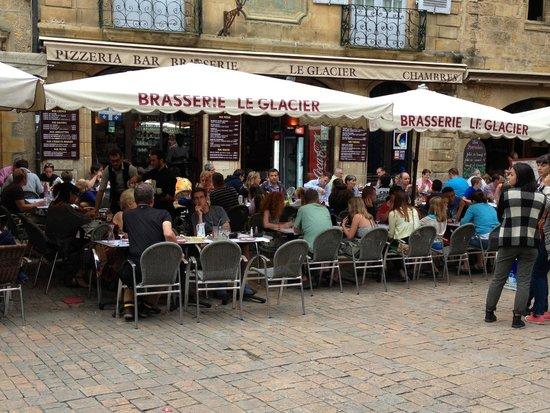 Brasserie Le Glacier : Cosy outdoor seating @ Le Glacier