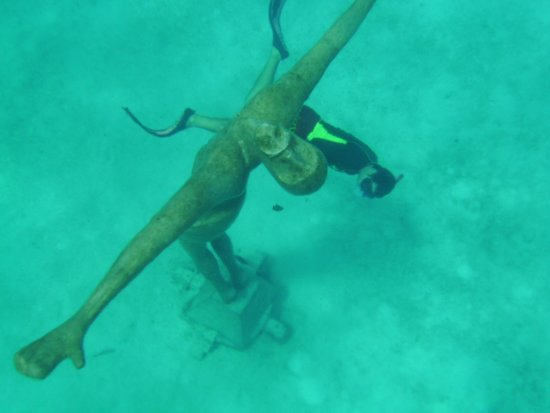 Chankanaab Beach Adventure Park: Only statue to withstand last big huricane. You could touch it for good luck.