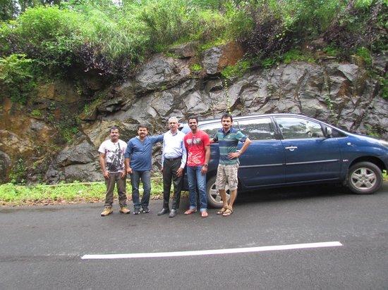 Urumbi Hill Palace Plantation Resort : On d way