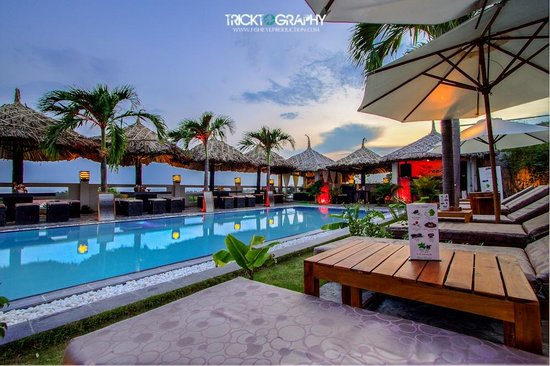Breeze Restaurant & Bar : Your perfect spot in Mui Ne to unwind ...