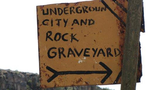 Mazi Underground City: Insegna sito