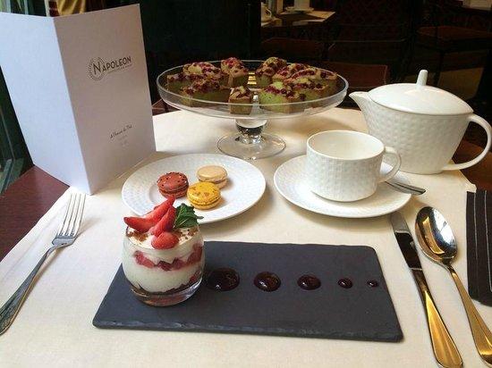 Hotel Napoleon Paris: Teatime