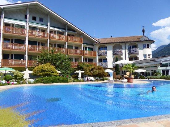 Hotel Paradies: La bellissima piscina esterna