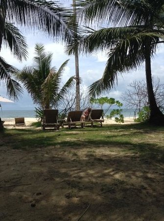 Cape Panwa Hotel : beach