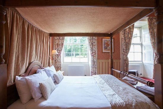 Wortley United Kingdom  city photos : Wortley Halll Four Poster Room Picture of Wortley Hall, Wortley ...