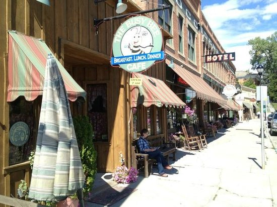 The Historic Occidental Hotel & Saloon and The Virginian Restaurant : The cafe, hotel, and saloon street view