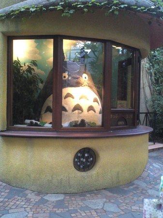 Musée Ghibli : トトロが受付で迎えてくれます