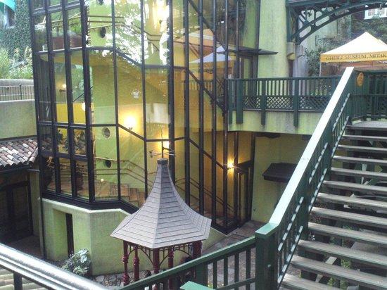 Musée Ghibli : 階段から見下ろして