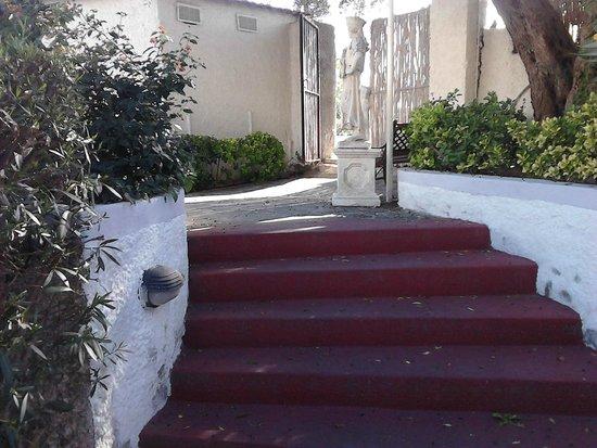 Villa al Parco Hotel: vista ingresso secondario non protetto
