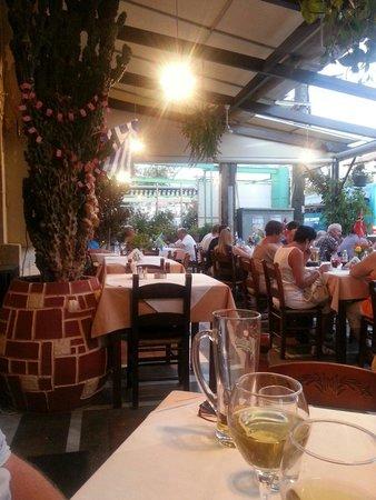 Restaurant Platanos : Koselig atmosfære