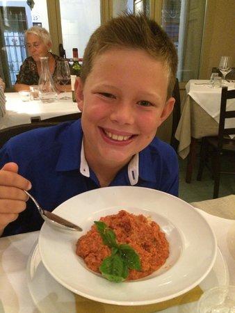 Trattoria 4 Leoni: Tomato soup with bread.
