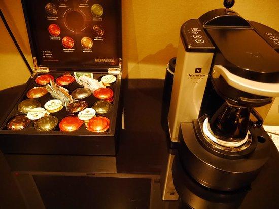 Hotel Sebastian's: コーヒーとコーヒーマシーン