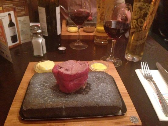 Brownes Steakhouse: Steak on a stone, delicious!