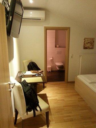 Villa Diana Zadar: Dormitorio_baño al fondo