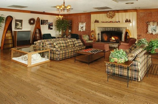 Clifty Inn: Our family lounge area