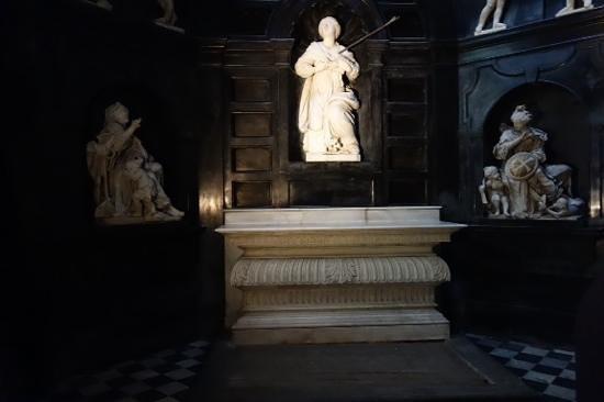 Notre Dame du Sablon : figure