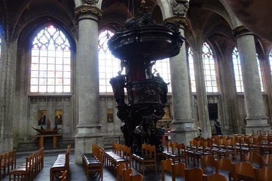 Notre Dame du Sablon : pulpit