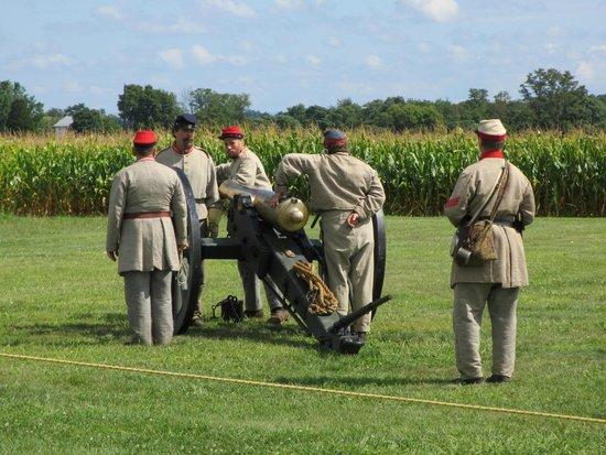 Antietam National Battlefield: Canon Demo