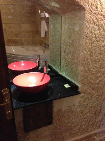 Dedeli Konak Cave Hotel : bathroom