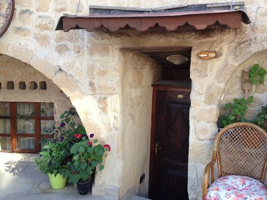 Dedeli Konak Cave Hotel: entrance to the room