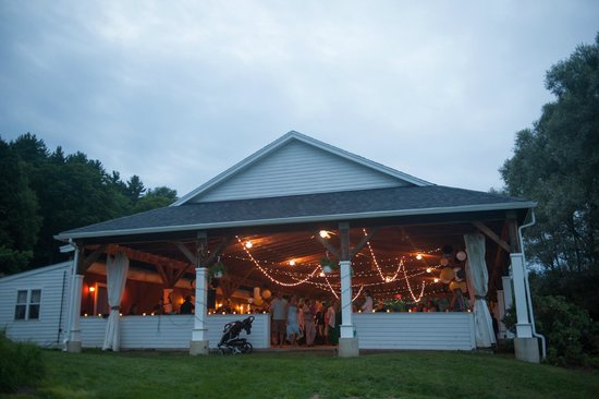 The Warfield House Inn: The pavilion