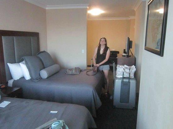 BEST WESTERN PLUS Avita Suites: Bedroom area