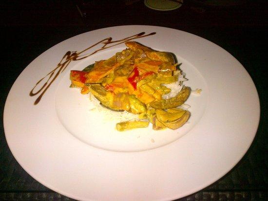 DoubleTree by Hilton Lisbon - Fontana Park : Veg Curry