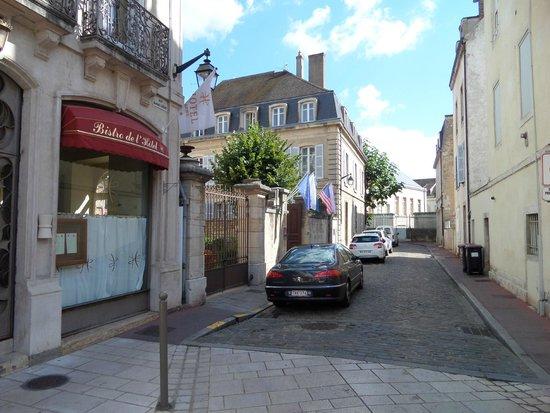 L'Hotel De Beaune: Resto et l'Hotel