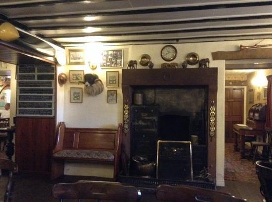 Fat Lamb Country Inn and Restaurant: Bar