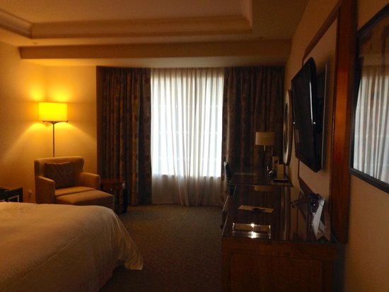 Sheraton Grand Macao Hotel, Cotai Central : Overrated: Deluxe room is anything but.