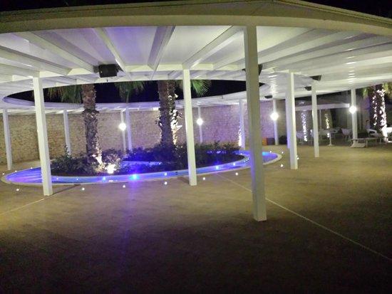 Pietre Nere Resort: esterno piscina