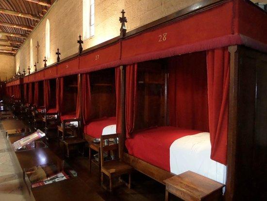 Musée de l'Hôtel-Dieu : Salle des Povres