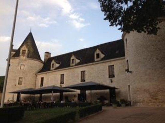 Chateau de la Fleunie: Vue du château