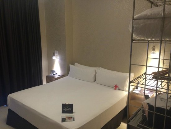 Axel Hotel Barcelona & Urban Spa: Big Bed
