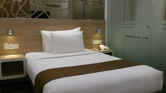 Hotel NEO Gubeng Single Bed Cozy And Clean Room