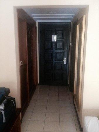 Club Bali Mirage: door