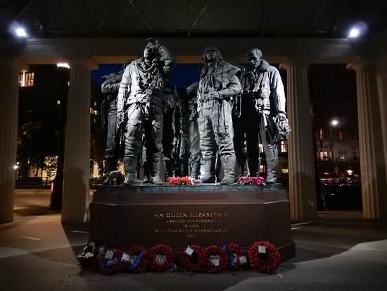 Bomber Command Memorial: Memorial at Night