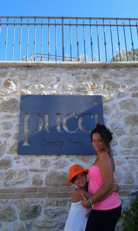 Pucci Country House: entr.